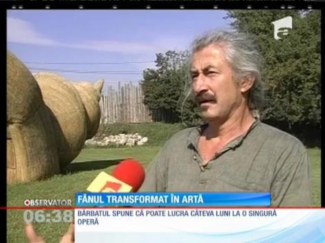 Un sculptor din Cluj a renunţat la piatră, lut şi metal pentru fân