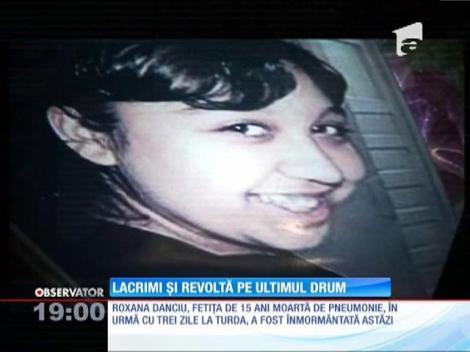 Fetiţa de 15 ani moartă de pneumonie, lacrimi și revoltă pe ultimul drum