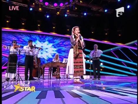 O minune de fetiță! Pasionată de tradiții, Florina Bălan a încins atmosfera și a dat o petrecere pe cinste!
