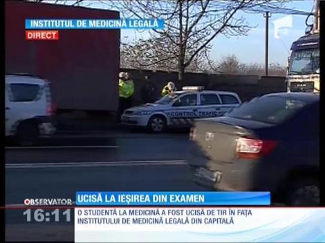 Studentă ucisă pe trotuar de un TIR