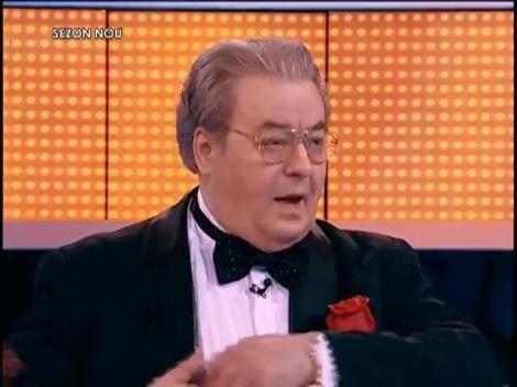 """Corneliu Vadim Tudor, versuri de senzaţie! """"Cine spune că blondele sunt proaste - Să-l batem la trei coaste"""""""