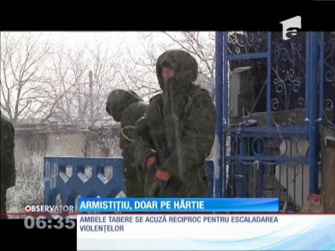 Armistiţiul din estul Ucrainei, doar pe hârtie. Rebelii refuză să renunţe la arme