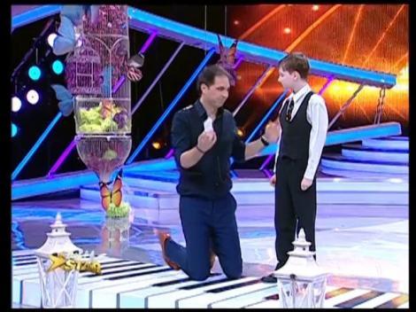 """De azi, viața lui s-a schimbat! """"Next Star"""" îi asigură transportul lui Fabiani la toate concursurile de pian din Europa!"""