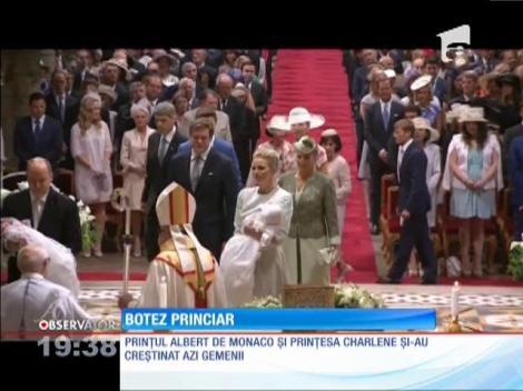 Prinţul Albert de Monaco şi soţia sa şi-au creştinat gemenii