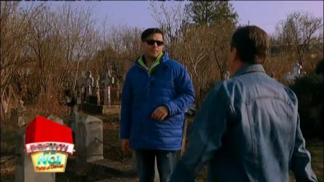 """Maraton cu poneiul, prin cimitir! Pepe și-a învățat lecția: Nu subestima animalele, căci s-ar putea să """"ți-o iei"""""""