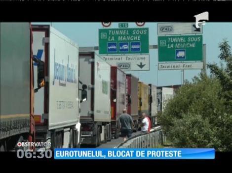 Eurotunelul a fost din nou închis temporar din cauza protestelor personalului unei companii de feriboturi