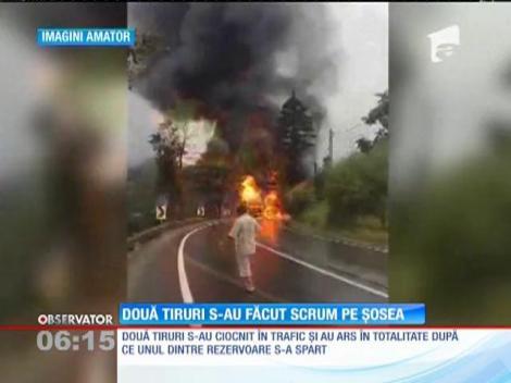 TIR-uri transformate în torțe, pe o șosea din Suceava