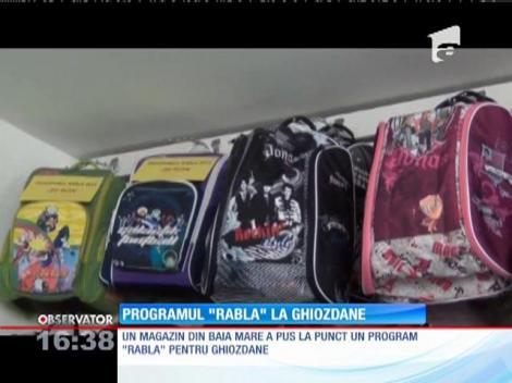 """Un magazin din Baia Mare a lansat programul """"Rabla"""" la ghiozdane"""