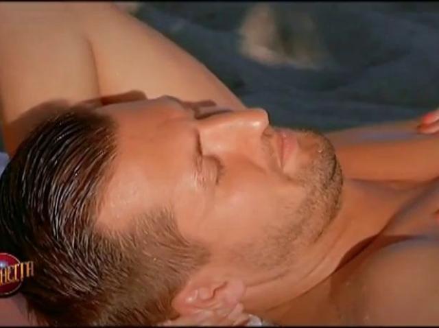 """Wow, ce surpriză! Cruduța i-a oferit un masaj relaxant lui Valentin și...l-a """"salvat"""""""