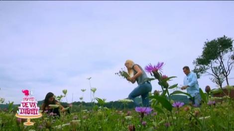 Vedetele au plecat în sat să culeagă flori