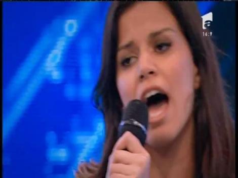 """Adele - """"Rolling in the Deep"""". Vezi interpretarea lui Sarah Ftouhi, la X Factor!"""
