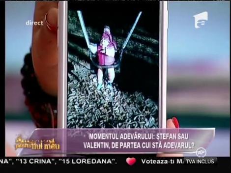 O scumpete de copil! Ce face micuța Carla Maria în timp ce mama ei, Mirela Boureanu Vaida, se află în DIRECT