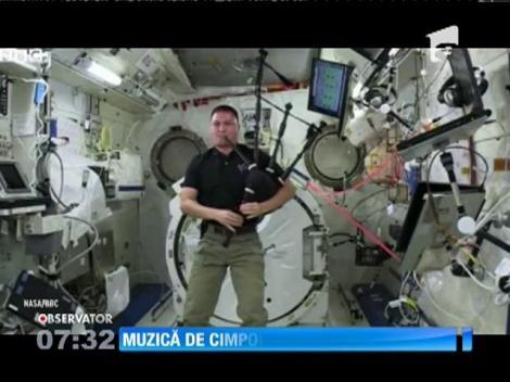 Un astronaut american a cântat la cimpoi, la bordul Staţiei Spaţiale Internaţionale