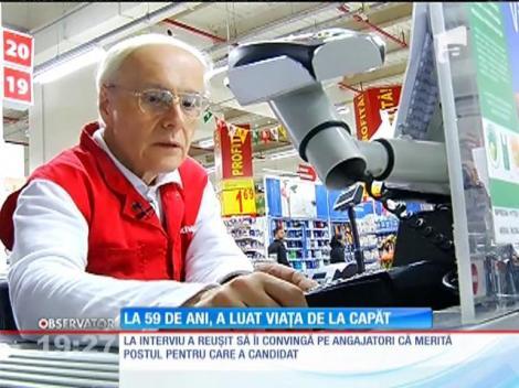 George Dumitrescu, un fost inginer IT, a ajuns casier în supermarket la 60 de ani