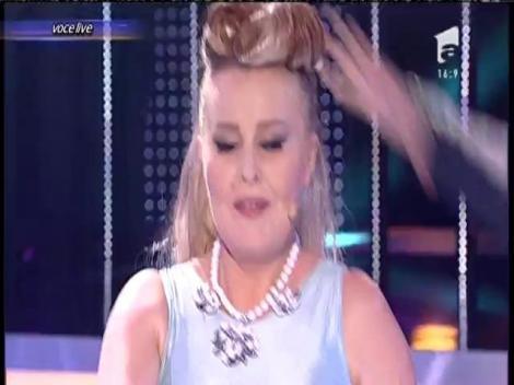 """Tania Popa se transformă în Andreea Bănică - """"Rupem boxele"""""""