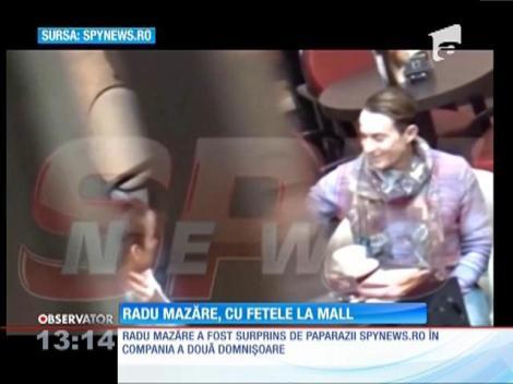 Radu Mazăre, surprins în compania a două domnişoare