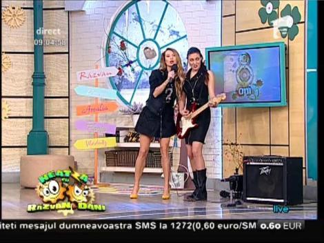 """Live! Flavia și Amalia cântă melodia """"Le-am spus și fetelor"""". Fanii au cerut un BIS"""