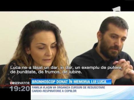 Soţii Vlaşin au donat un echipament medical de video-bronhoscopie spitalului din Baia Mare