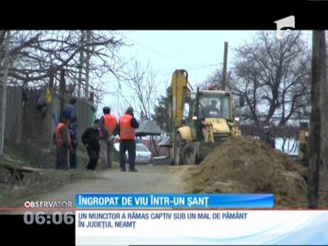 Un muncitor din Neamţ a fost îngropat de viu într-un şanţ