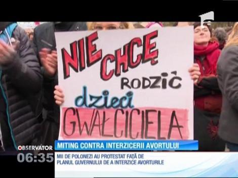 Manifestaţie de amploare împotriva intenţiei de a interzice total avorturile, în Polonia