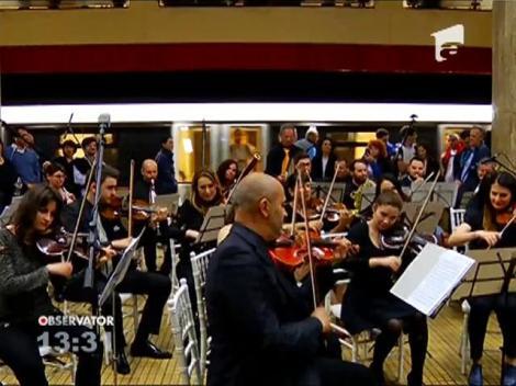 Orchestra Simfonică Bucureşti a concertat în staţia de metrou Unirii 1