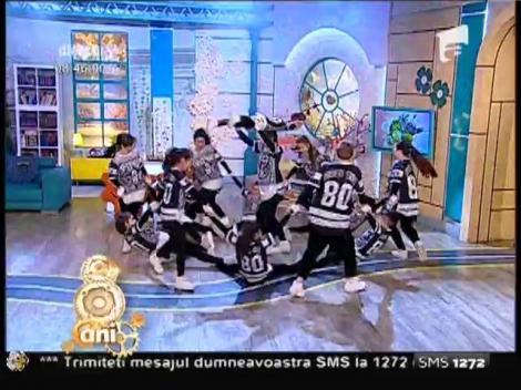 Brothers Crew, dans și atitudine pe scena de la Neatza