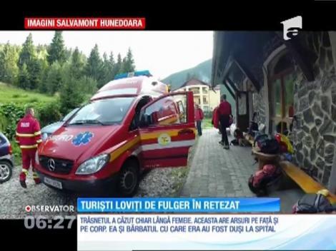 Doi turişti germani, un bărbat şi o femeie, au fost loviţi de fulger pe vârful Retezat
