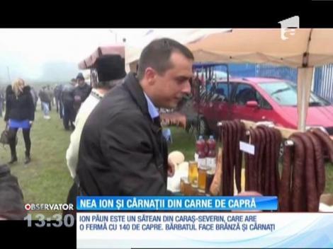 Ion Păun este un sătean din Caraş-Severin, care are o fermă cu 140 de capre. Bărbatul face brânză şi cârnaţi