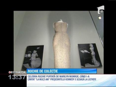 """Celebra rochie purtată de Marilyn Monroe când i-a cântat """"La mulţi ani"""" preşedintelui Kennedy, scoasă la licitaţie"""