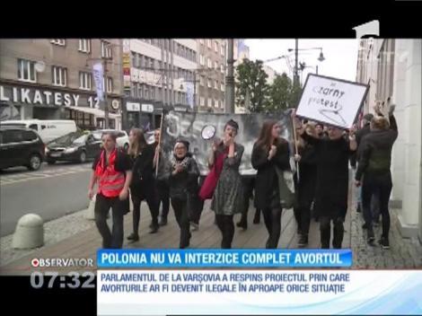 Polonia nu va interzice complet avortul