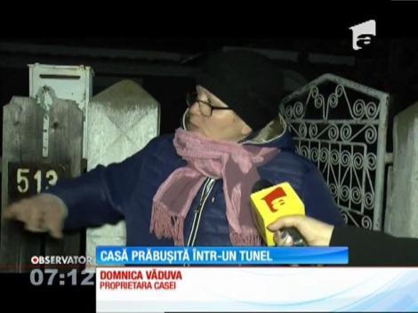 O femeie din Neamţ a trăit clipe de groază, după ce casa ei s-a prăbuşit într-un tunel subteran