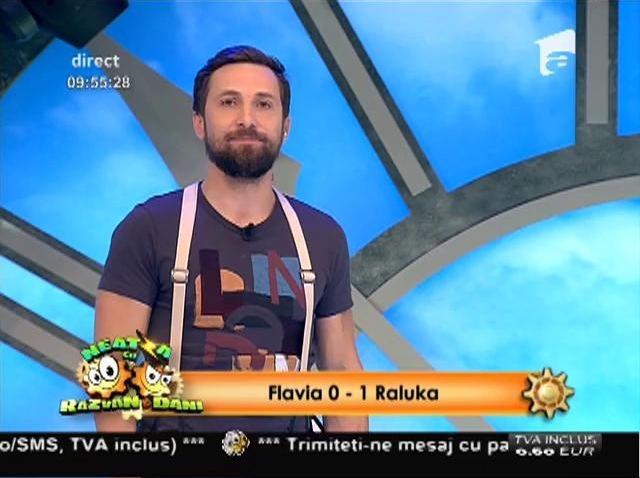 """Flavia şi Raluka s-au luat la întrecere. Proba """"5 secunde"""" de la """"Neatza"""" a """"sfârşit-o"""" pe vecina noastră: """"După asta plec în concediu trei săptămâni"""""""