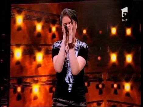 """The cranberries - """"Zombie"""". Vezi aici cum cântă Izabela Toth la X Factor!"""