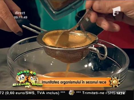 Imunitate scăzută? Învață să prepari un smoothie cu cătină!