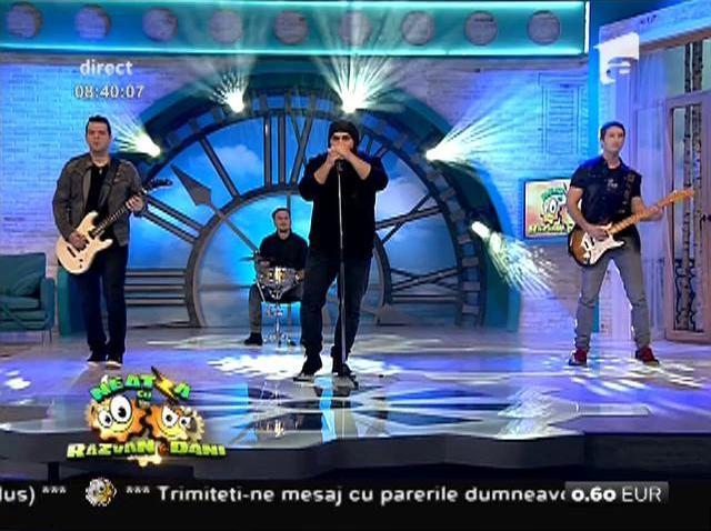 """""""Vino, Doamne, să vezi ce-a mai rămas din oameni"""" Băieții de la Trooper i-au emoționat pe toți cu cea mai frumoasă piesă românească!"""