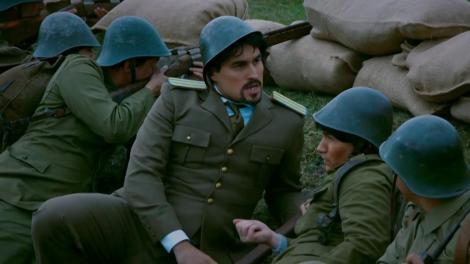 """Victor Piţurcă și Gică Hagi au ajuns pe frontul de luptă! Ecaterina a lui Teodoroiu, ce ne faci, fată? """"Arma mea e pregătită de când ai venit!"""" Declarații fierbinți pe front"""