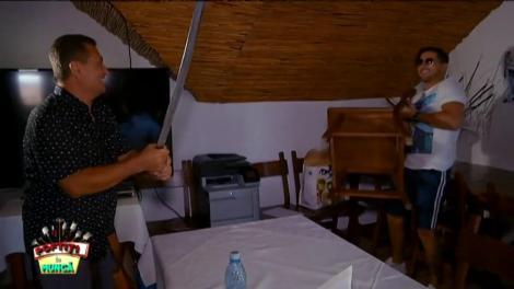 """Nuiaua şi sabia, instrumentele de """"tortură"""" ale lui Nea' Mărin. Primul care le simte pe pielea lui este, DESIGUR!!!, Liviu Vârciu: """"Pentru ce atâtea securisme?"""""""
