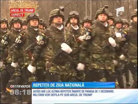 A început repetiţia generală pentru parada de Ziua Naţională, la Arcul de Triumf