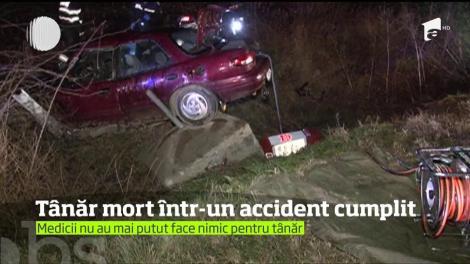Un şofer şi-a pierdut viaţa într-un accident teribil pe o şosea din Timiş