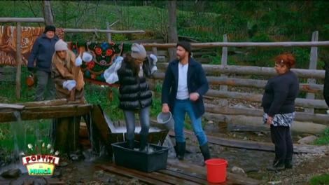 Nea Mărin trimite fetele, dar și pe Nicolai, să spele covoare la vâltoare