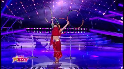 Loren Cristea, număr de circ împreună cu familia ei, în finala de popularitate Next Star