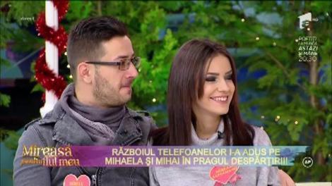 """Fanii """"Mireasă pentru fiul meu"""" sunt şocaţi! Războiul telefoanelor face ravagii în rândul cuplurilor! Mihaela şi Mihai, la un pas de despărţire: """"E un joc totul!"""""""