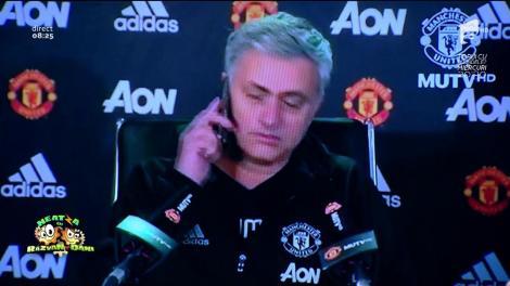 Smiley News: Jose Mourinho e pus pe glume. Iată ce a pățit un jurnalist la o conferință de presă