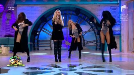 Imagini HOT! Andreea Bănică e mămică, dar ridică! Show incendiar, alături de dansatoarele sale, pe care le vei sorbi din priviri
