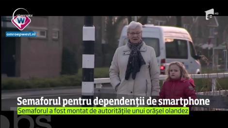 Semafor pentru dependenții de smartphone, montat în Olanda