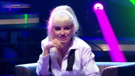 """Atenție, e cu tocuri! Primul travesti al serii, dedicație pentru """"iubitul risipitor""""! Max Dragomir s-a transformat într-o blondă seducătoare, pe numele ei, Loredana"""