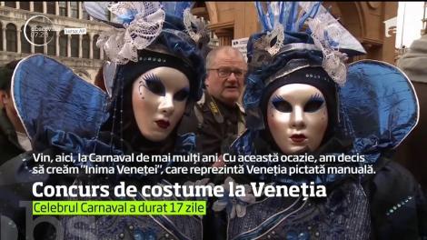 Concurs de costume la Veneția
