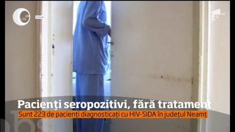 Sute de pacienţi seropozitivi din judeţul Neamt au rămas fără tratament