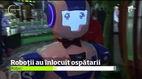 Roboţii au înlocuit ospătarii, într-un restaurant din Shanghai