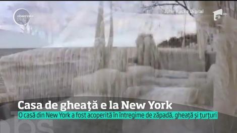 O casă din New York, acoperită în întregime de gheață!